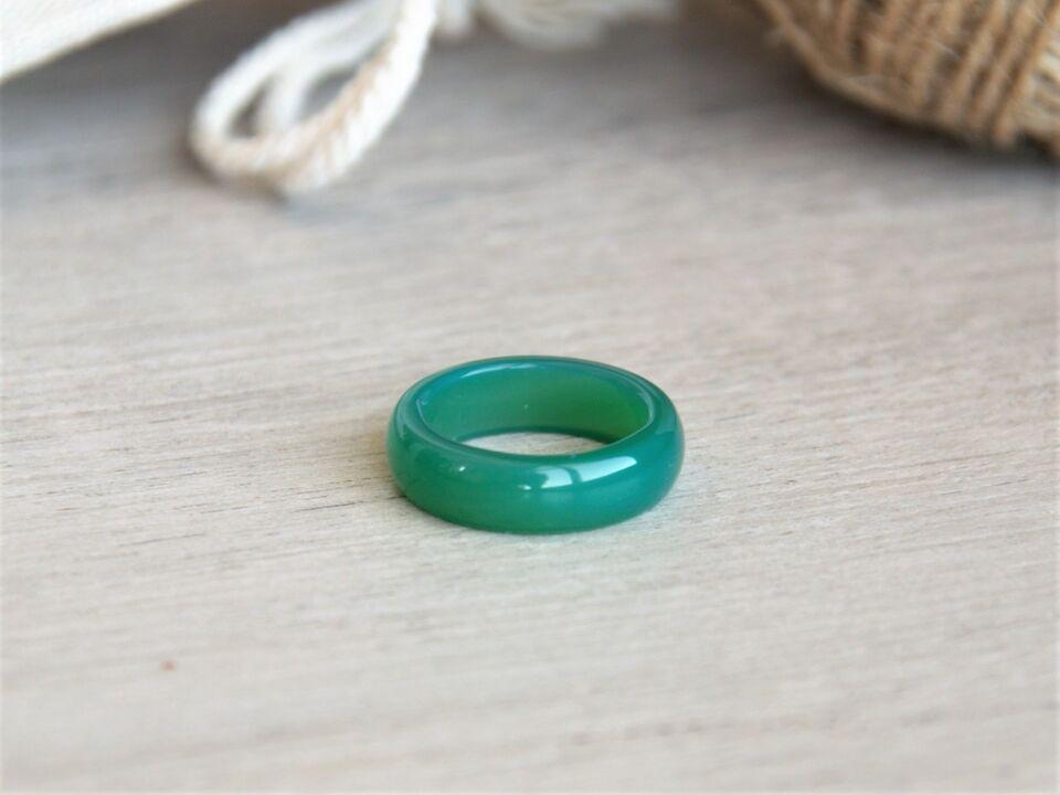 Пръстен от зелен ахат