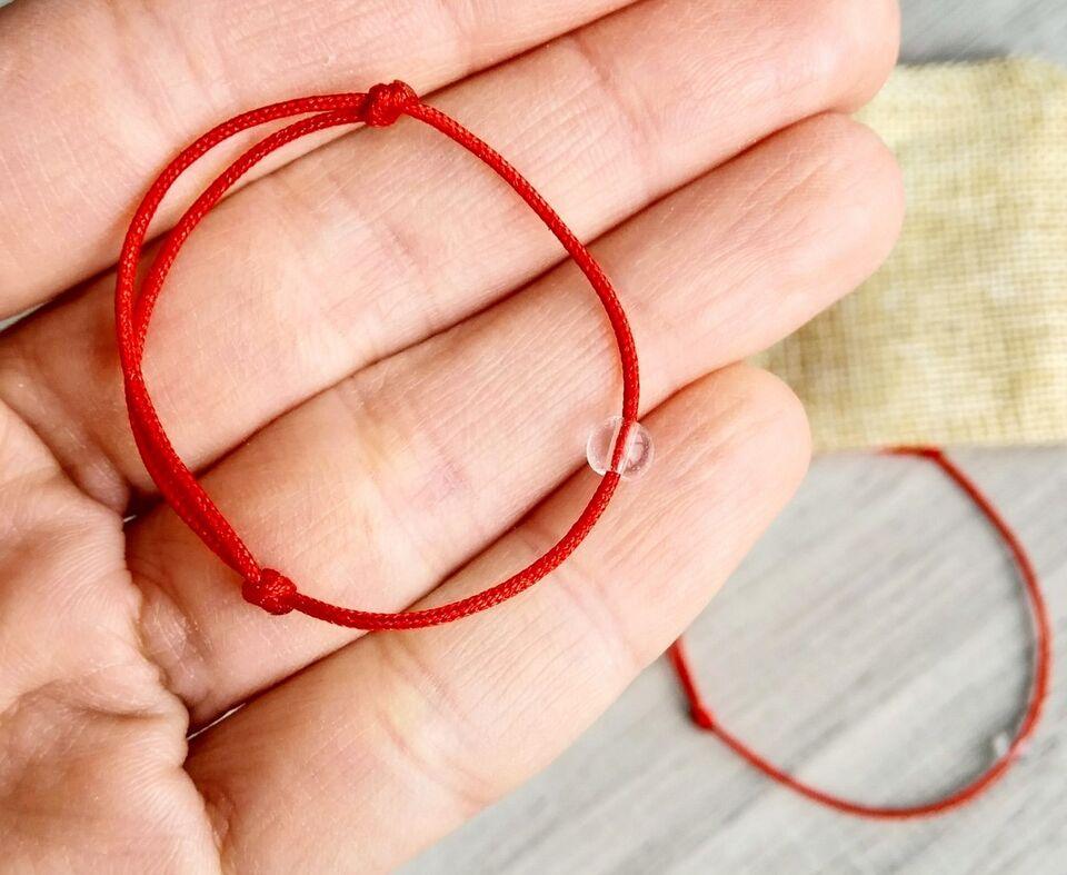 Гривничка с планински кристал 4 мм на червена корда. Здраве - Хармония - Мечти